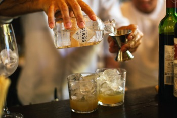 """Giass at Cavour"": domani il gin unisce Milano e Torino"