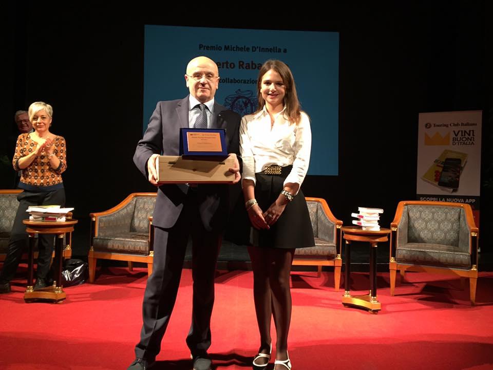 Roberto Rabachino riceve il Premio Michele D'Innella