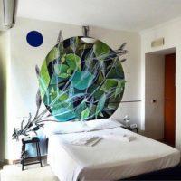 murales in camera hotel