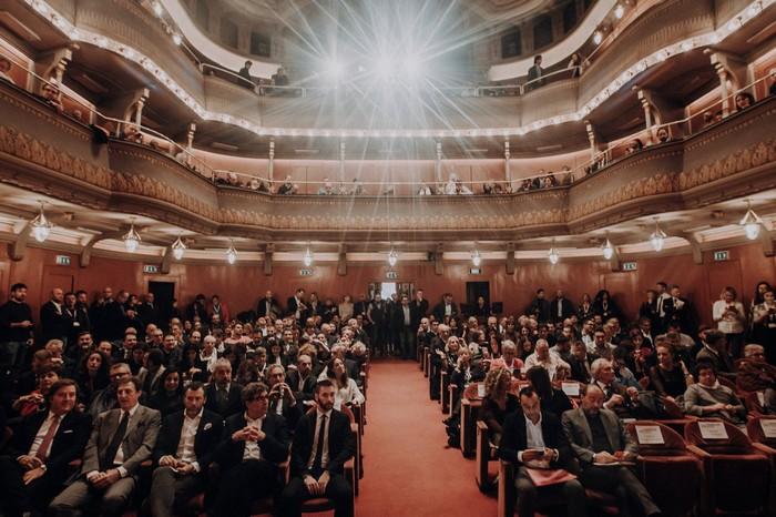 Teatro Puccini Merano presentazione guida Vinibuoni d'Italia 2019