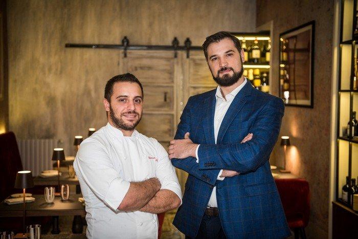 Lo chef Giovanni Balzo con il titolare Paolo Zambon