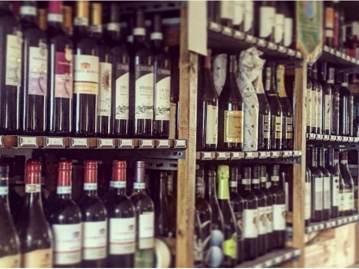 più di 150 etichette e 12 scelte di vini al bicchiere