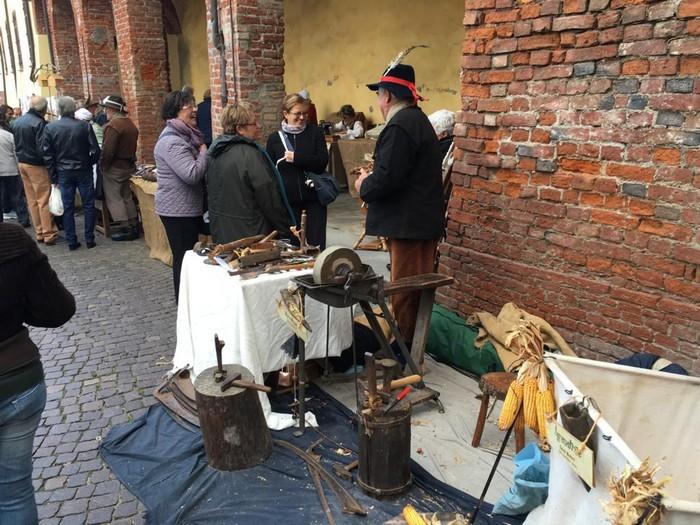 artigiani alla festa di carignano