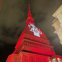 Torino si illumina con i colori del Perù
