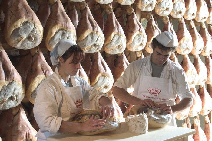 prosciutto crudo di Parma a stagionare