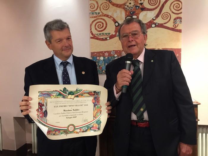 premiazione a Massimo Taddei, per Taleggio dop