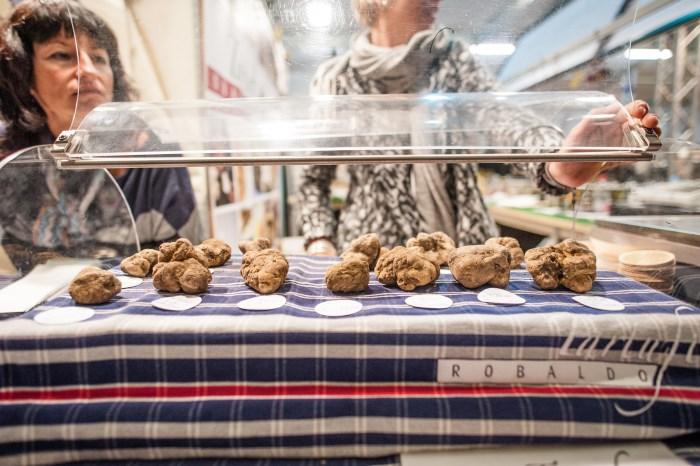 mercato del tartufo