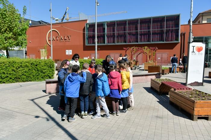 bambini e maestre ad Or-To Torino Eataly