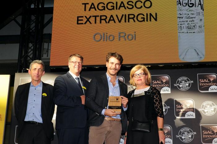 Premiazione-taggiascoExtraVirGin-gin-italiano