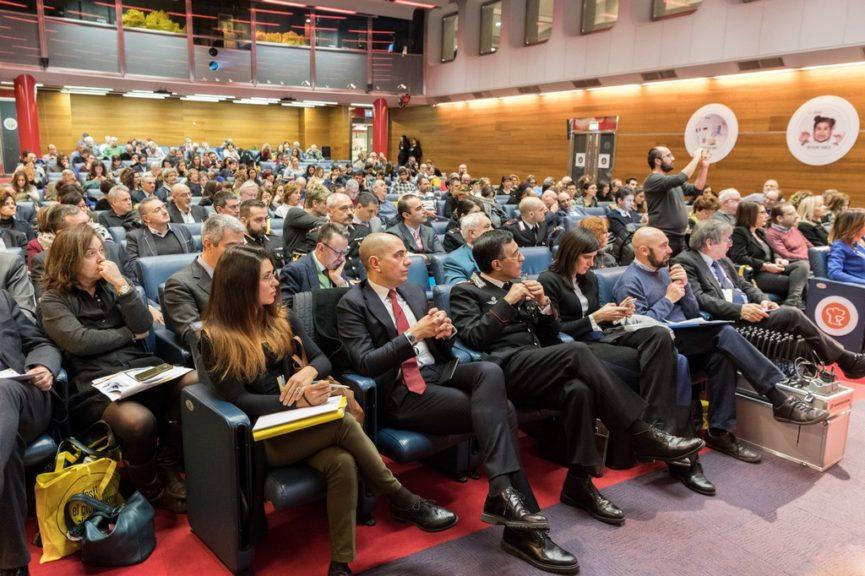 Pubblico durante uno dei panel del festival edizione 2019