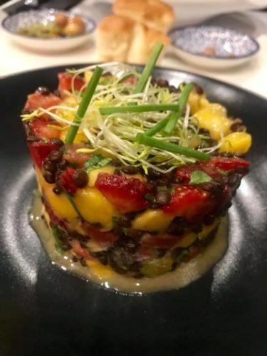 Ristorante Corvino, insalata di mango, fragole e verdure