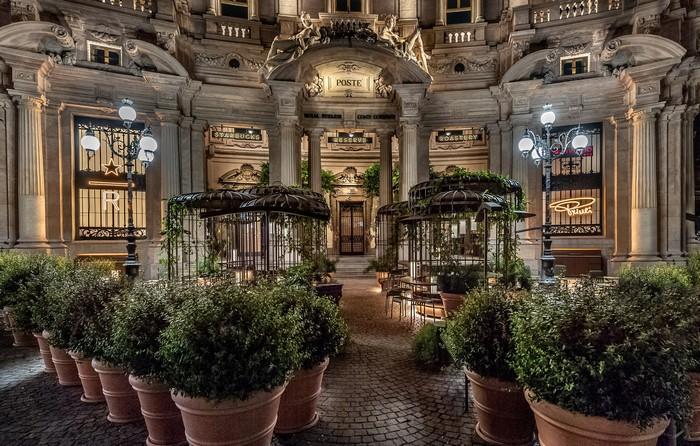 Starbucks-Reserve-Roastery-Milano