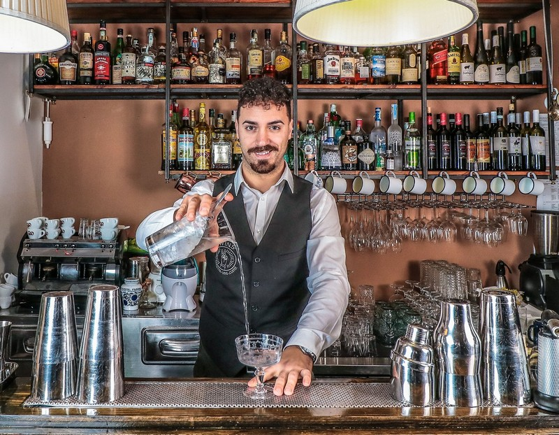 Ugo Acampora barman Napoli