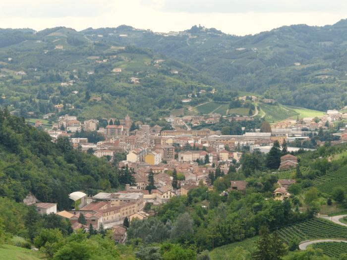 Borgo di Canelli in Piemonte