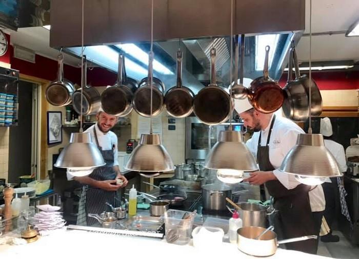 cucina a vista Ristorante i Due pini, Chalet del Sogno