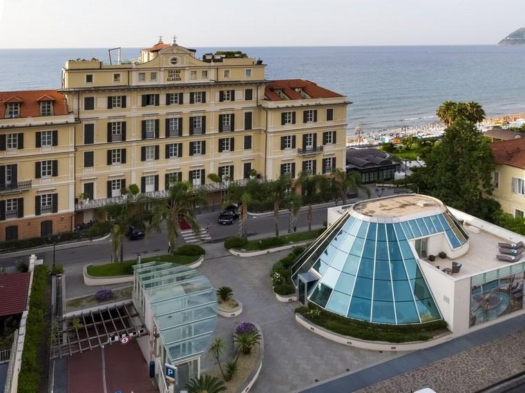 ingresso e facciata Grand Hotel da alto