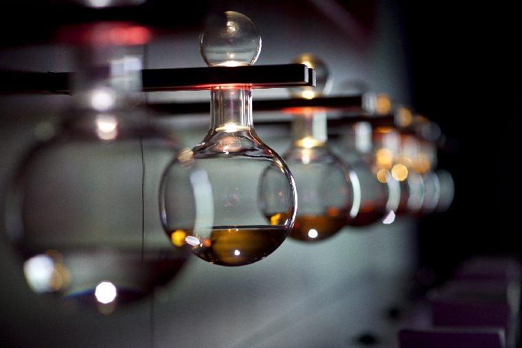 Rum agricolo distillato da single barrel