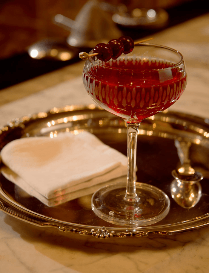Cocktail con brandy Cardenal Mendoza