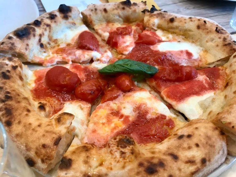 Pizza con corbarino e fiordilatte