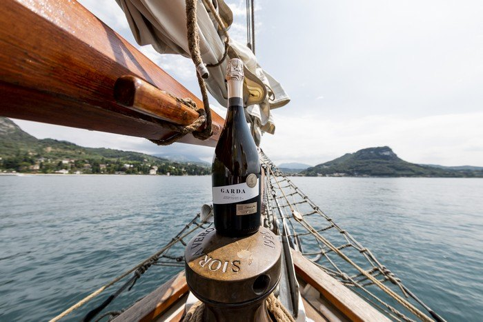 wine Experience Spumante Garda Doc